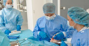 Zabiegi chirurgiczne stomatologia